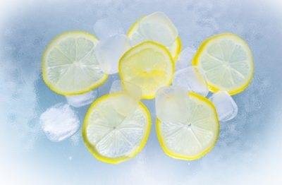 ice cubes and lemon